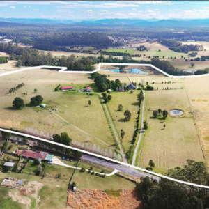 Ridgeview Estate- A stunning new development in Wauchope. A total of 39 lots ranging from 4000m2 - 6.5ha. With amazing country views and only 15 minutes drive to Port Macquaries white sand beaches... It's the best of both worlds. Register your interest today!
